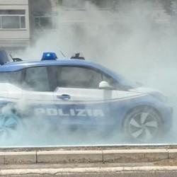 Un BMW i3 de la policía italiana arde en Roma por causas aún desconocidas