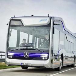 Mercedes presenta un autobús autónomo que recorre 20 kms por entornos urbanos