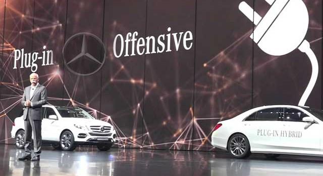 """Mercedes anuncia """"sistemas autónomos"""" pero avisa en la letra pequeña"""