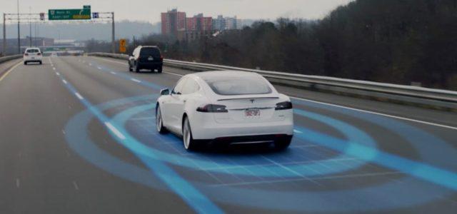Tesla activará mañana el Autopilot 2.0, pero retrasa el lanzamiento de la actualización 8.1