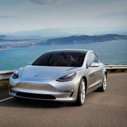 ¿Cuál será el precio del Tesla Model 3 con las diferentes opciones?