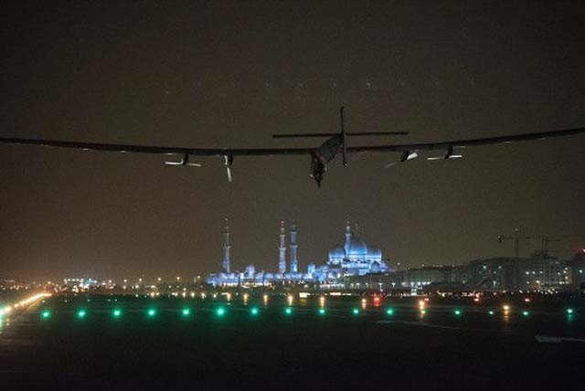 solar-impulse-abu-dahbi