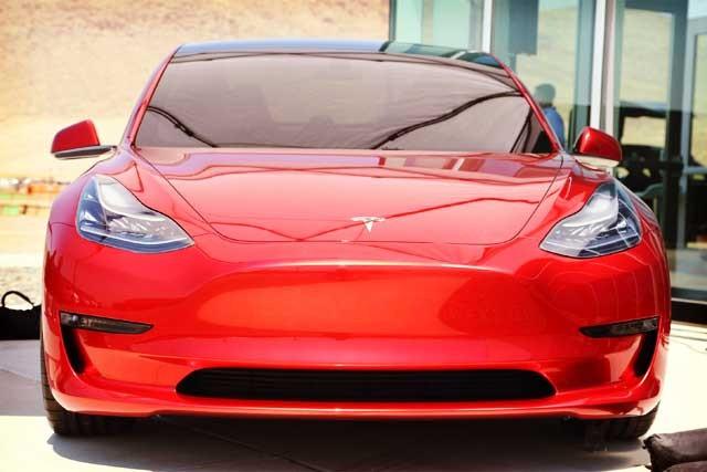 tesla-model-3-red
