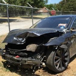 Otro accidente con el Autopilot de Tesla, y otro conductor que reconoce no haber estado atento