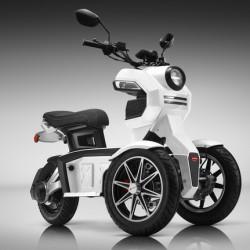 Doohan EV3 iTank. Un interesante scooter eléctrico con tres ruedas