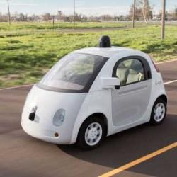 Google se rinde en la idea de lanzar un coche autónomo propio
