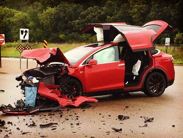 model-x-accident-mn-11