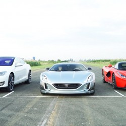 Rimac Concept ONE contra Ferrari LaFerari contra Tesla Model S P90DL