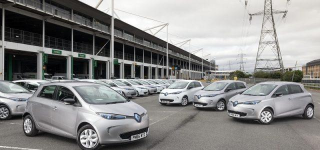 Nuevo programa de ayudas a la compra de coches eléctricos en Francia. Ligera bajada de las ayudas, entrada de las motos eléctricas y adiós a los híbridos