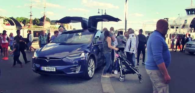 tesla-model-x-bjorn-show-car