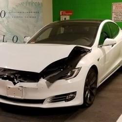 La cámara del sistema Autopilot de Tesla recoge el momento de un accidente