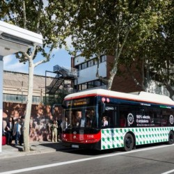 Barcelona instala su primer cargador ultra rápido para autobuses eléctricos