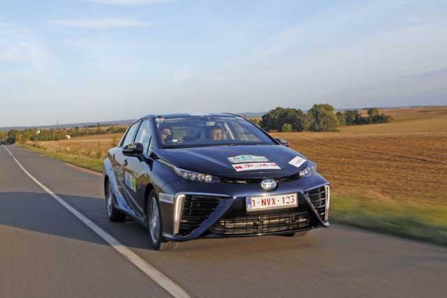 Toyota-mirai_-_e-rally_montecarlo_1
