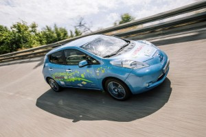 148287_labour_of_love_nissan_employees_build_48_kwh_leaf_prototype_in_their_spare-copia
