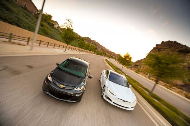 chevrolet-bolt-ev-vs-model-s