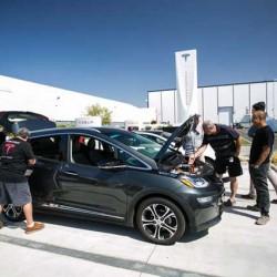 El Chevrolet Bolt (Opel Ampera-e) analizado por el propietario de un BMW i3