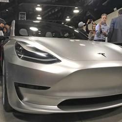 Según un analista de Morgan Stanley, el Tesla Model 3 no llegará hasta finales de 2018