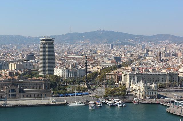 Barcelona-984035_640