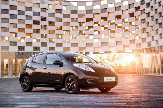 nissan-leaf-black-edition_front