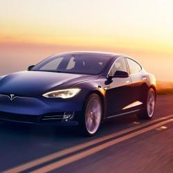El sistema Autopilot de Tesla a acumula más de 2.000 millones de kilómetros recorridos
