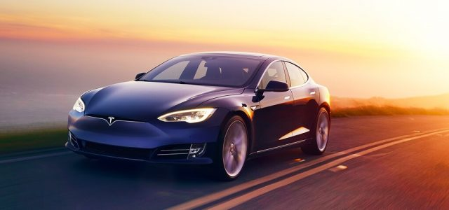 Tesla ya tiene jefe en España. Apuesta por las renovables y las baterías, y menos por la ventas de coches