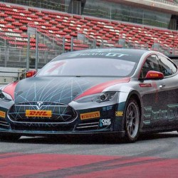 El Tesla Model S de Electric GT ya rueda por circuito (Vídeo)
