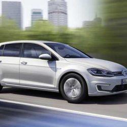 Volkswagen ofrece en Reino Unido un descuento de 5.500 libras por la compra de un Golf eléctrico y la entrega de un diésel
