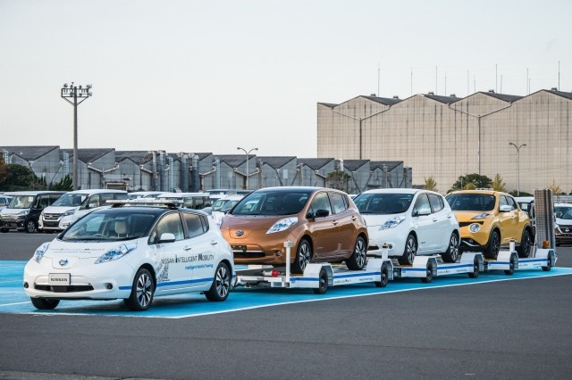 Nissan driverless towing system at Oppama Plant