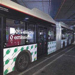 Barcelona compra 7 autobuses eléctricos articulados con carga rápida por pantógrafo