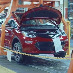 General Motors alarga la parada de la fábrica del Chevrolet Bolt por la acumulación de unidades en stock