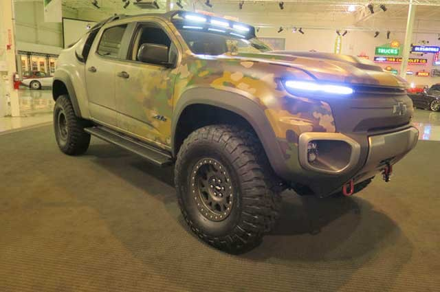 chevrolet-colorado-zh2-hydrogen-fuel-cell-prototype-front-three-quarter