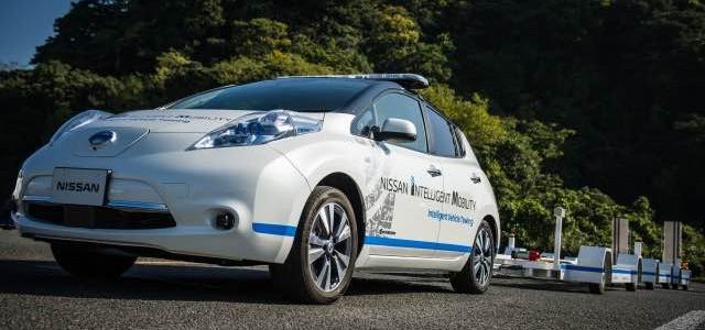 Nissan presenta un sistema de conducción autónoma para transportar vehículos en su planta de Oppama