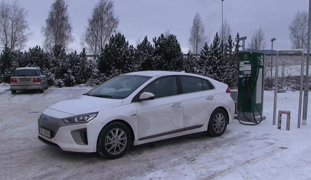winter-test-of-hyundai-ioniq