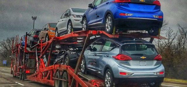Los primeros Chevrolet Bolt salen de la fábrica hacia los concesionarios. Recarga de hasta 80 kW
