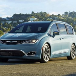 Chrysler Pacifica. Un monovolumen híbrido enchufable con 53 kilómetros de autonomía eléctrica bajo el ciclo EPA