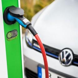 Un estudio indica que el mercado de los coches eléctricos crecerá un 50% cada año hasta 2022