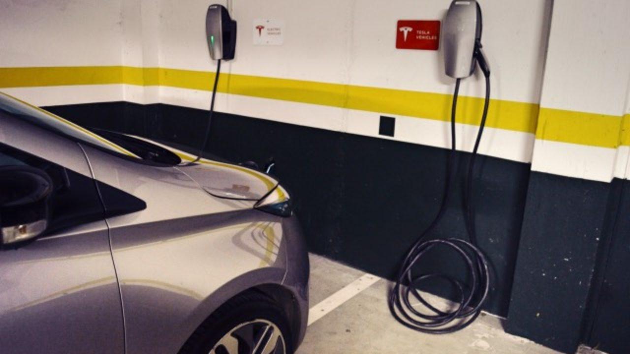 1f8f2a7f9803 Tesla y El Corte Inglés llegan a un acuerdo para la instalación de ...