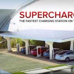 Elon Musk adelanta como será la próxima generación de Supercargadores. Potencias por encima de 350 kW, y desconectados de la red