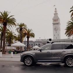 UBER desafía al estado de California y seguirá con sus pruebas con coches autónomos, a pesar de los graves errores