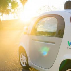 Los coches autónomos de Waymo necesitaron mucha menos intervención humana en 2016