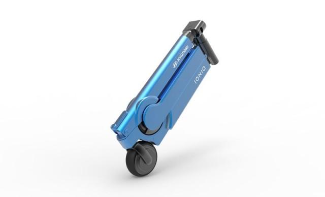 hyundai_ioniq_scooter_folding_1