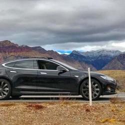 Si te vas de viaje con tu Tesla Model S, no te dejes la llave en casa