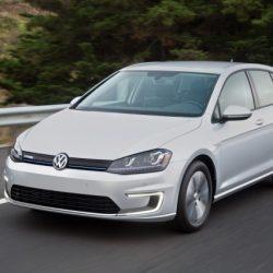 El nuevo Volkswagen e-Golf ya está disponible en Alemania. Un 47% más batería y sin incremento de precio