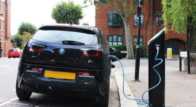 El operador británico Pod Point acude al crowdfunding para expandir su red de puntos de recarga para coches eléctricos