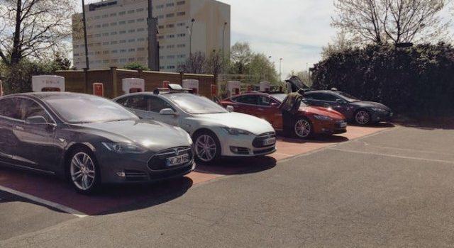 Un hotel de Francia apaga temporalmente un Supercargador de Tesla después del ataque a un coche convencional