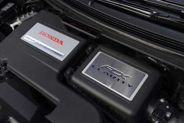 Honda Motor Co. Sets Up Compact Hydrogen Station