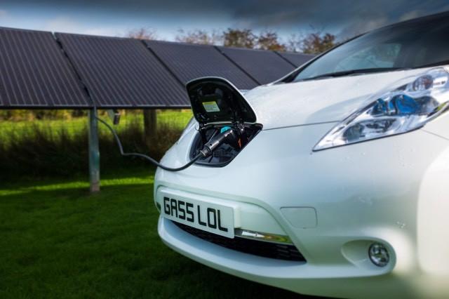 nissan-leaf-solar-paneles