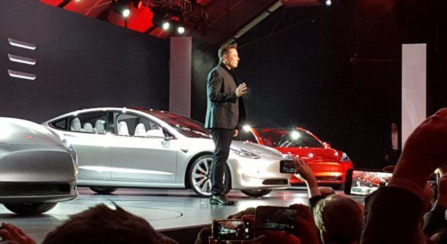 Según Elon Musk, las reservas del Tesla Model 3 se dispararán después de la presentación final