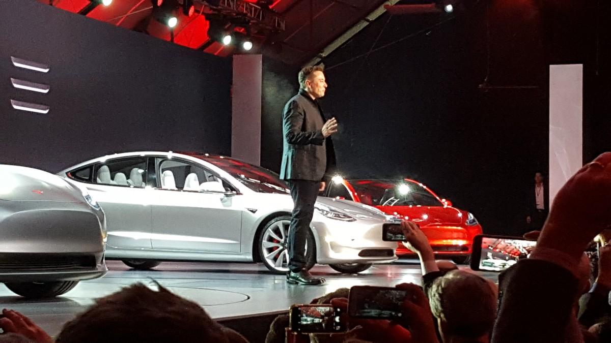 Elon Musk confirma que el Autopilot en el Tesla Model 3 será tan ...