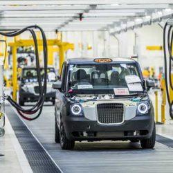 La empresa de taxis de Londres inaugura su fábrica de coches eléctricos